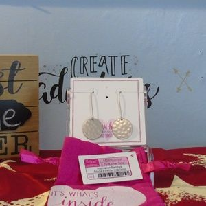 Thirty-One Inspiration Earrings - Silvertone